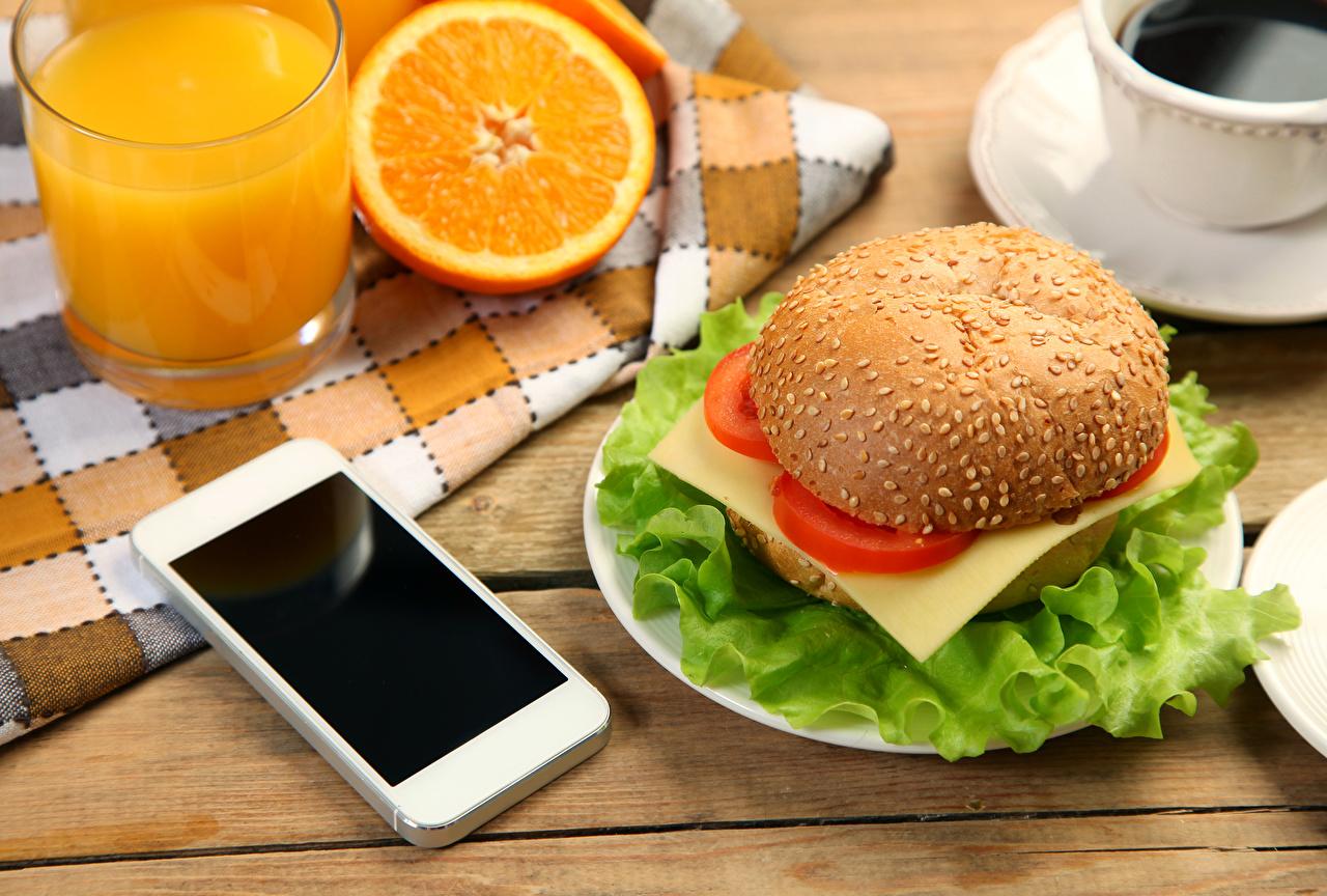 Смартфон и еда